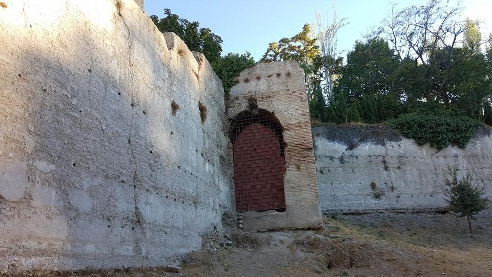 Puerta de San Lorenzo, en las murallas del Albaicín.
