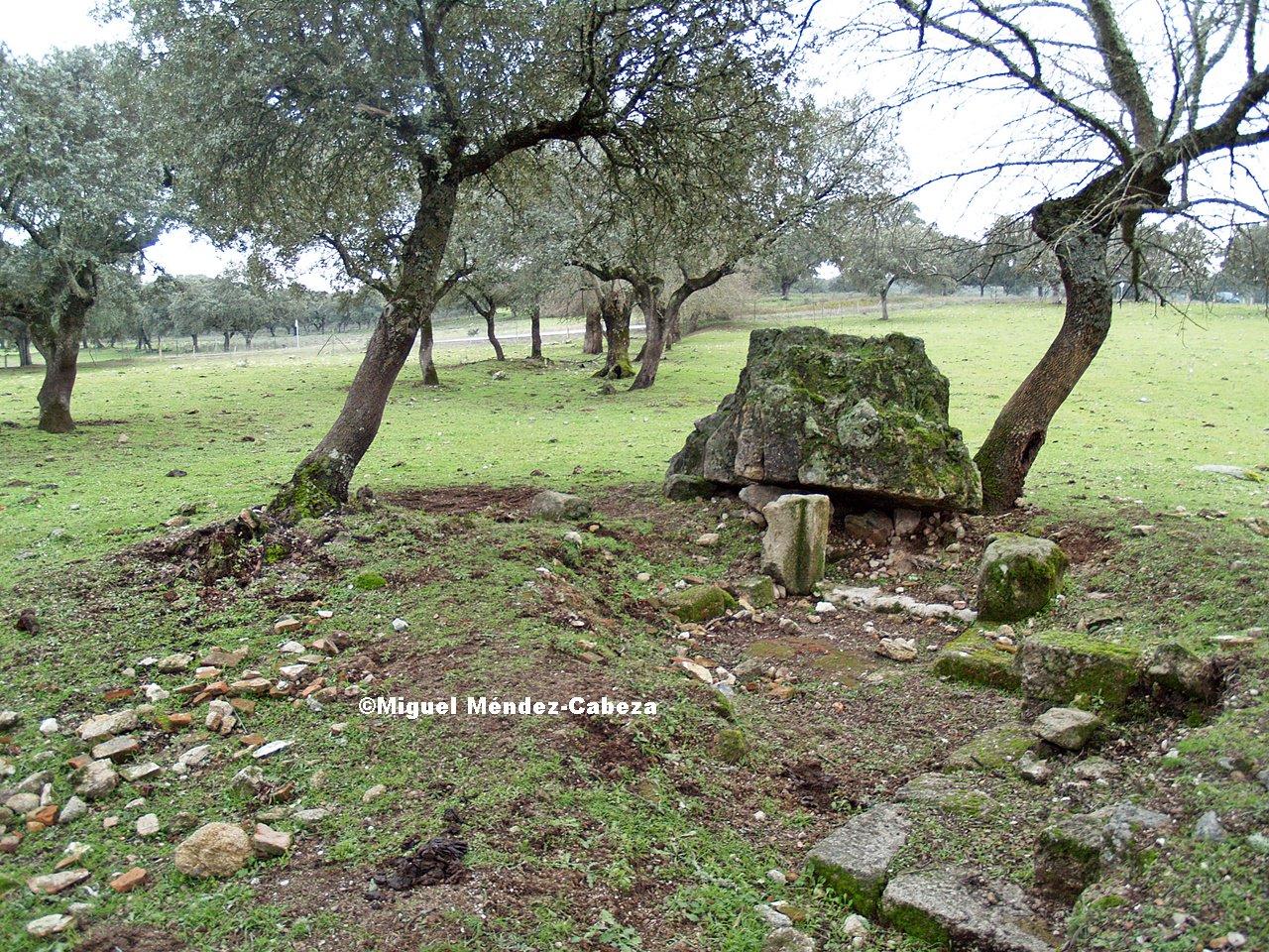 Restos de la Iglesia de Guadyerbas Bajas, pueblo por donde pasó Fray Jorge tras abandonar el convento del Rosario. Foto de Miguel Méndez-Cabeza.