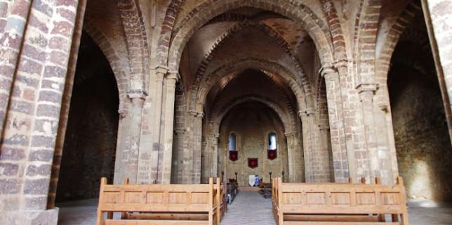 Interior de la Iglesia del Sacro Covento. Foto de José Antonio Alcázar.