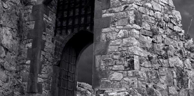 Puerta de entrada al Sacro Convento de Calatrava la Nueva. Foto de José Antonio Alcázar.
