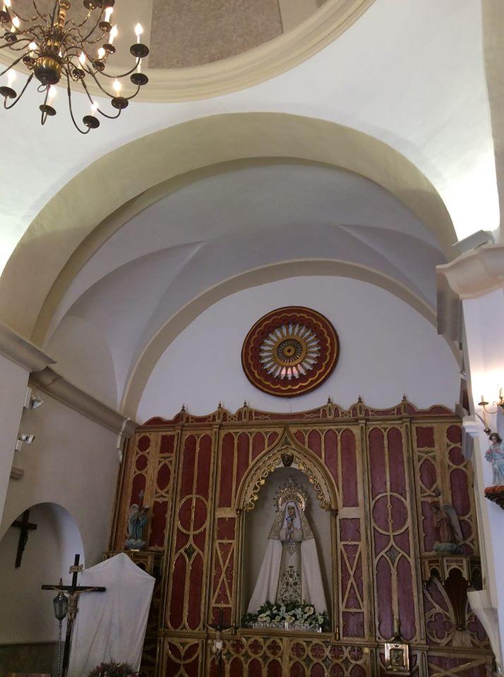 Altar de la Ermita de Ntra. Sra. de la Soledad (Calzada de Calatrava). Foto de Cándido Morales Boiza.