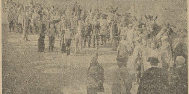 Los asentados, que fueron en total 42, con las yuntas cedidas para la labranza de la finca.