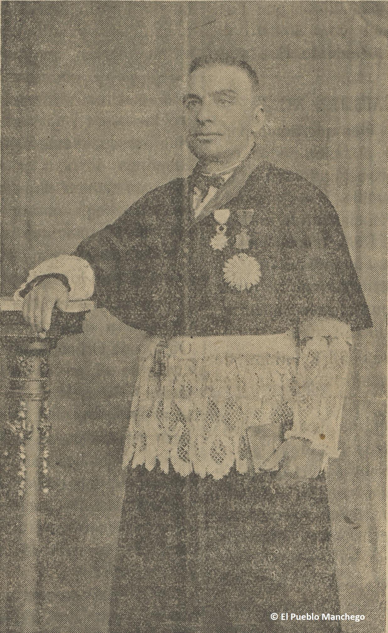 El Párroco-Arcipreste de Calzada de Calatrava, Don Juan Moreno Costoso, el día de la consagración de la actual parroquia de Calzada de Calatrava.